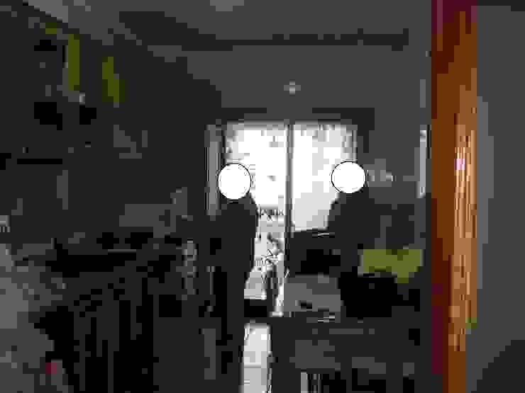 Cozinha remodelada por Decoracoes Gina, Lda