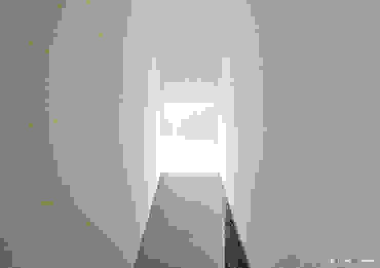 Minimalist windows & doors by nn.arq | arquitectos Minimalist
