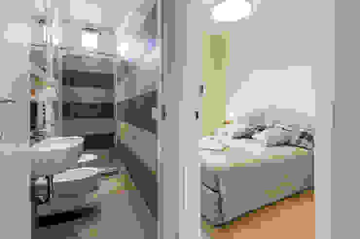 Baños de estilo moderno de STUDIO ARCHIFIRENZE Moderno
