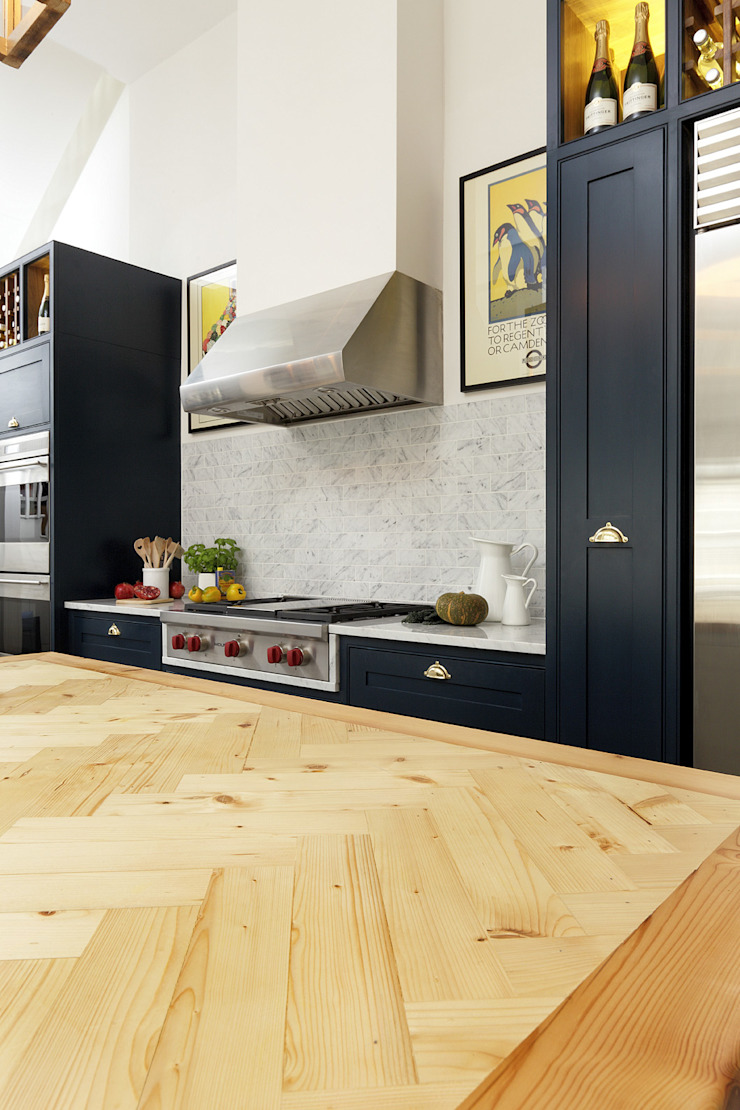 KITCHENS: The Bovingdon Cue & Co of London Cucina moderna