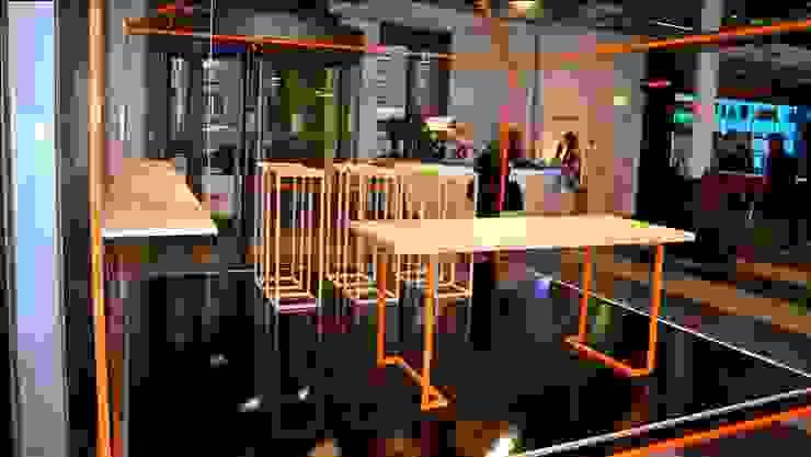 Etsystand Stilwerk Moderne Geschäftsräume & Stores von Richterei Modern