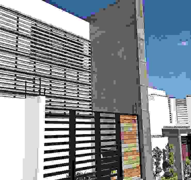 Casas modernas de ZUM ARQUITECTURA Moderno