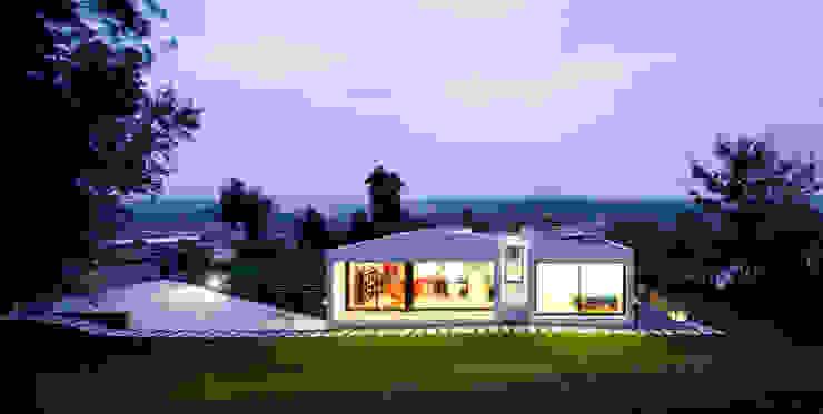 House in Barcelos, Portugal Rui Grazina Architecture + Design ミニマルな 庭