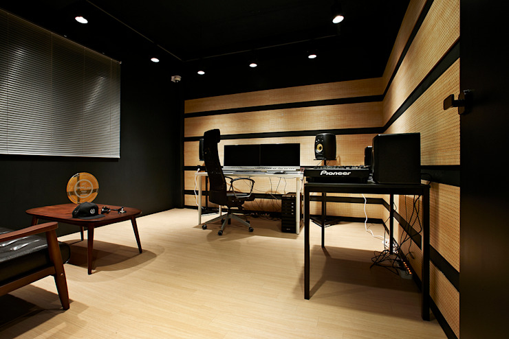ALIVE DANCE STUDIO by 2wavestudio (투웨이브스튜디오) 인더스트리얼