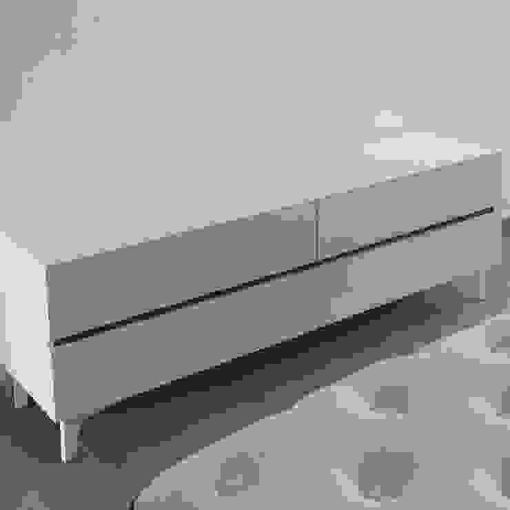 Credenza Dormitorios minimalistas de DECO Designers Minimalista