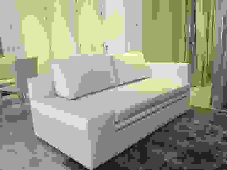Sofa bed Salones minimalistas de DECO Designers Minimalista