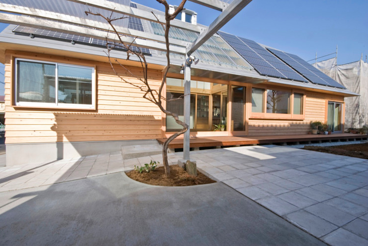 Eclectic style houses by 千田建築設計 Eclectic Iron/Steel