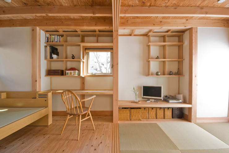 Eclectic style study/office by 千田建築設計 Eclectic Wood Wood effect