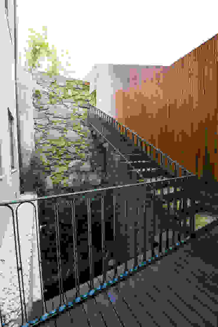 Minimalistische tuinen van BLK-Porto Arquitectura Minimalistisch