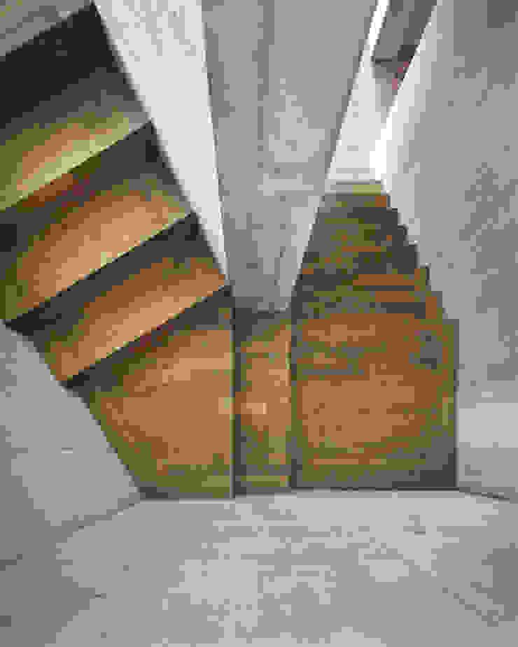 idA buehrer wuest architekten sia ag Koridor & Tangga Modern