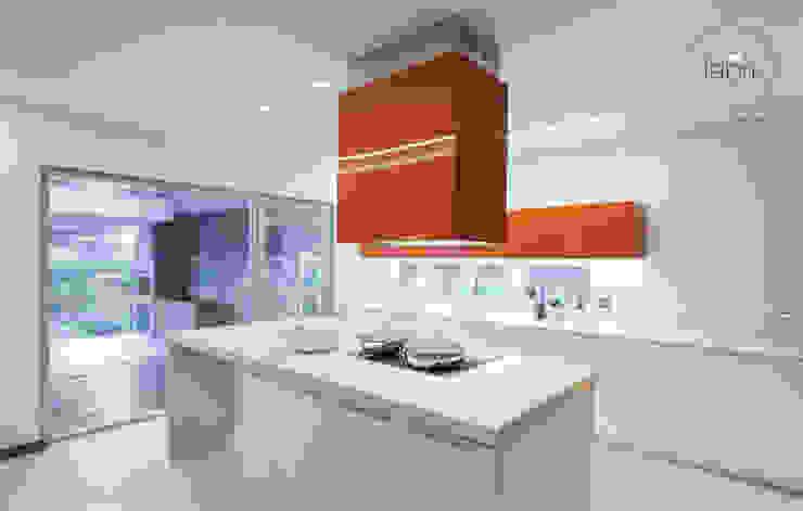Kitchen by FABRI,