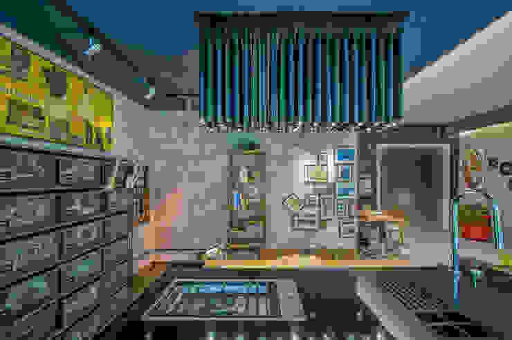 Emmilia Cardoso Designers Associados Industriale Arbeitszimmer