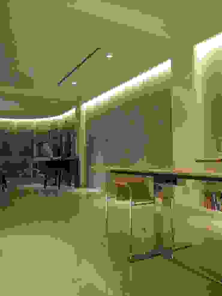 Nowoczesny salon od Estudio de iluminación Giuliana Nieva Nowoczesny