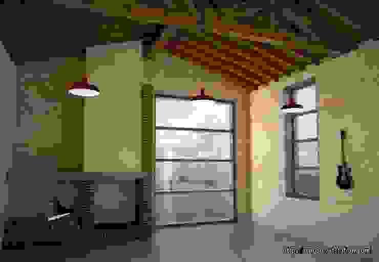 Fireplace and exterior views Hoteles de estilo rústico de mm-3d Rústico