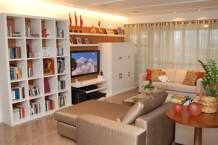 Apartamento Atlântico Salas de estar modernas por Emmilia Cardoso Designers Associados Moderno