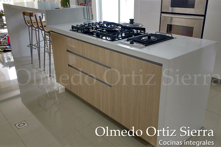 Cocinas Integrales Olmedo Ortiz Sierra: modern tarz , Modern