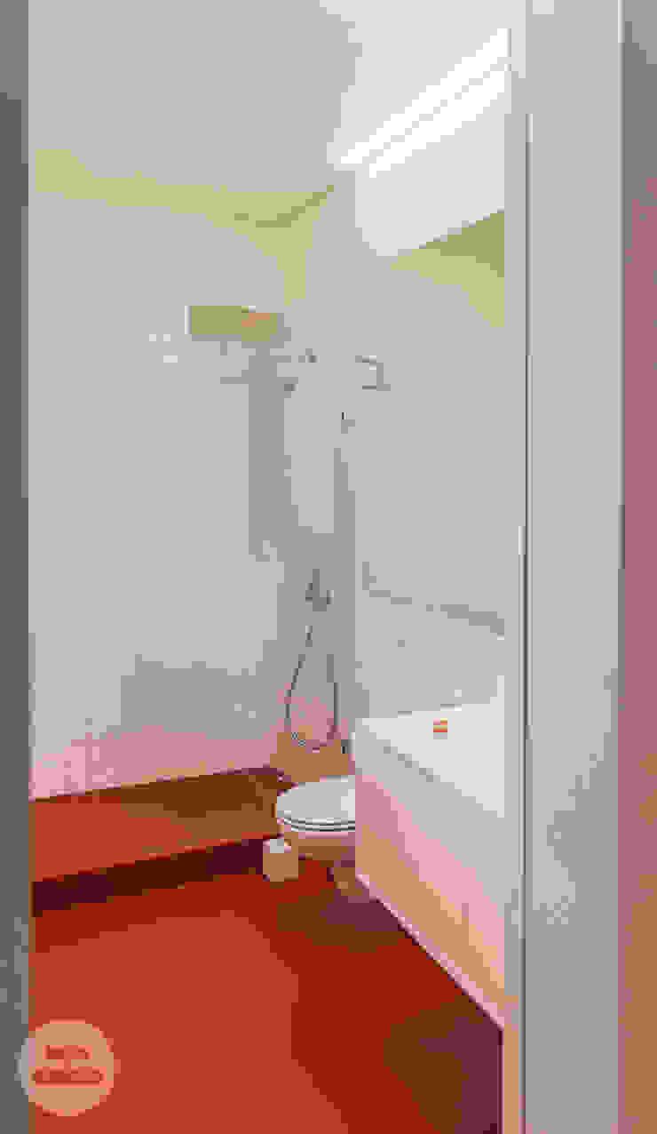 Remodelação de apartamento Avenidas Novas, Lisboa Casas de banho modernas por Matos + Guimarães Arquitectos Moderno
