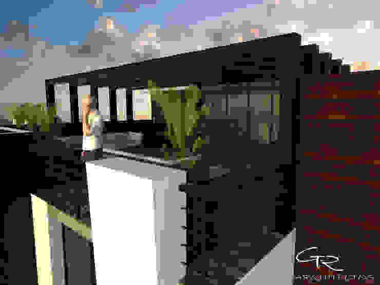House Jc-1 Balcones y terrazas minimalistas de GT-R Arquitectos Minimalista