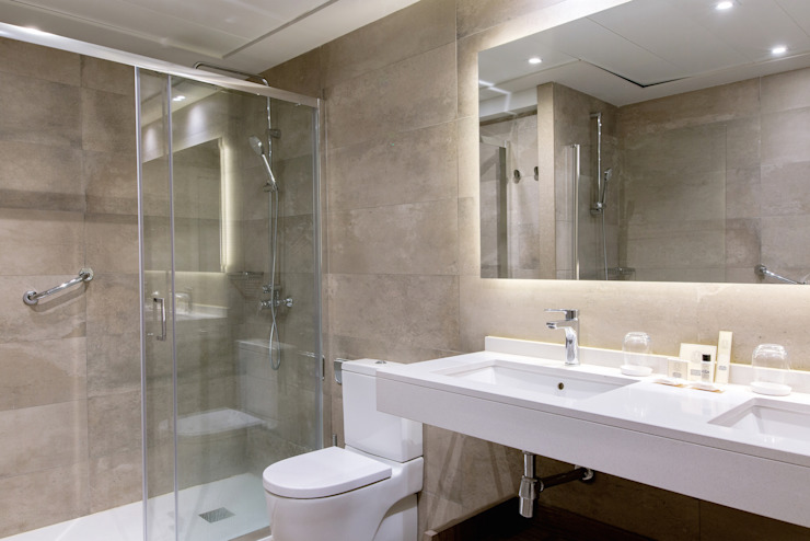 Hotéis modernos por adela cabré Moderno