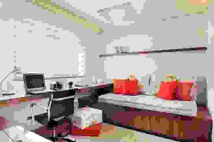 Madi Arquitetura e Design Modern Study Room and Home Office