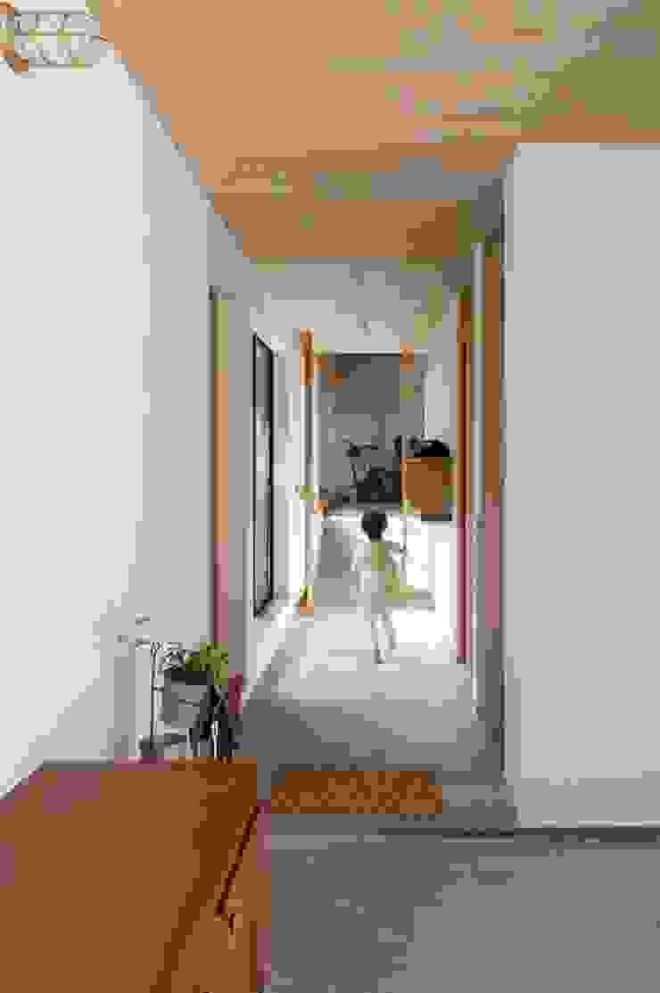 廊下 オリジナルスタイルの 玄関&廊下&階段 の アトリエ・ブリコラージュ一級建築士事務所 オリジナル