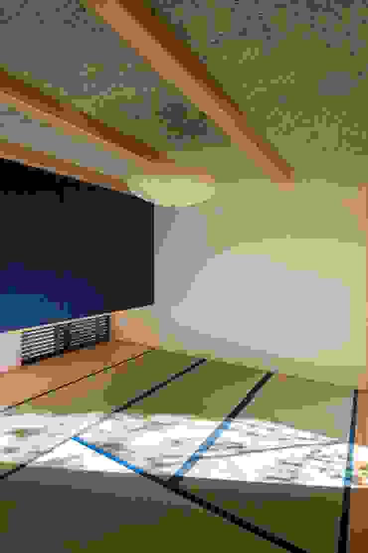 和室 オリジナルデザインの 多目的室 の アトリエ・ブリコラージュ一級建築士事務所 オリジナル