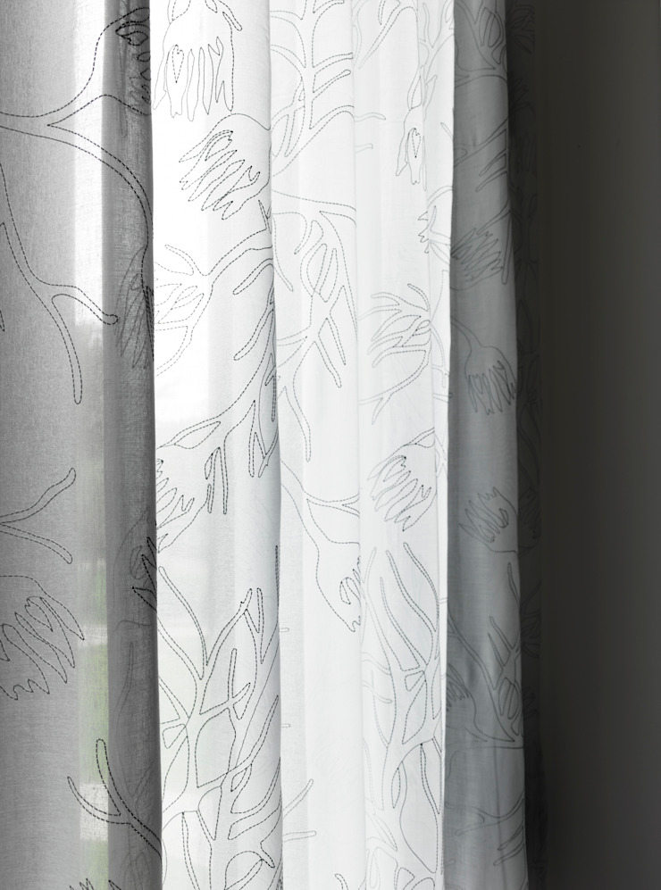 Bespoke Drapes by STUDIO 9010 Сучасний