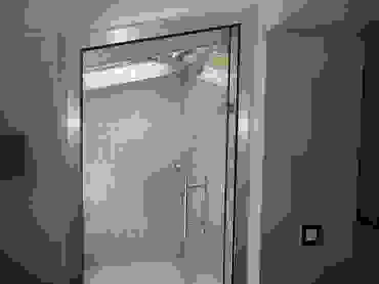 Banho Turco Casas de banho modernas por Belgas Constrói Lda Moderno