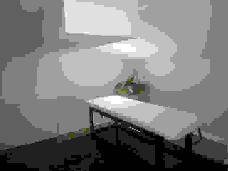 Sala de Massagens Spa moderno por Belgas Constrói Lda Moderno