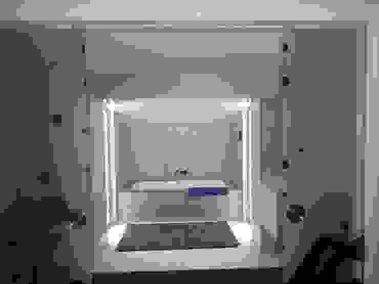 Instalação Sanitária - Suite Principal Casas de banho modernas por Belgas Constrói Lda Moderno