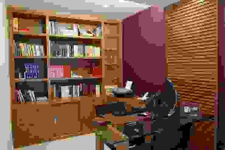 Casa Beringela Escritórios modernos por Emmilia Cardoso Designers Associados Moderno