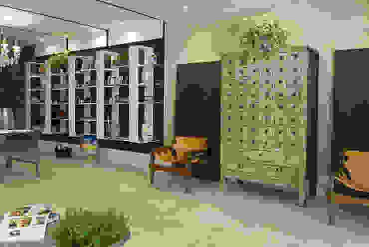 Wohnzimmer von Emmilia Cardoso Designers Associados