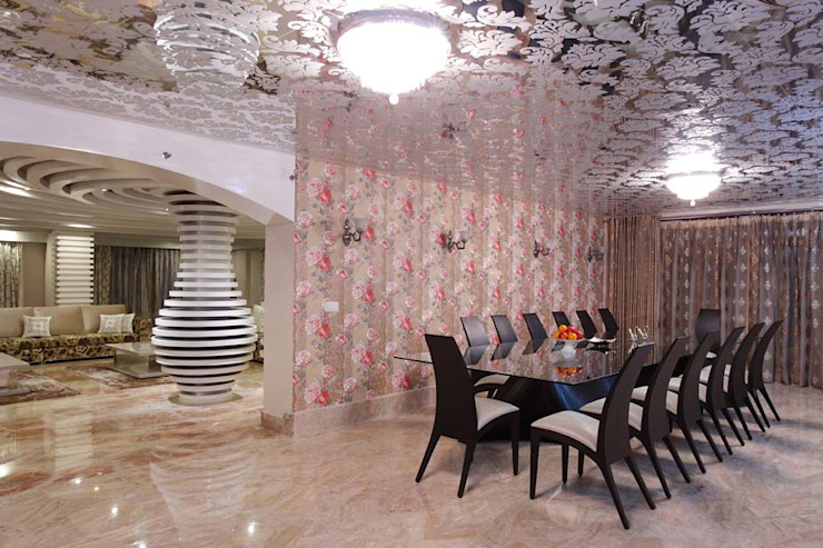 Residential Interior for Mrs. Banalari Eclectic style dining room by Purple Architecture Eclectic Glass