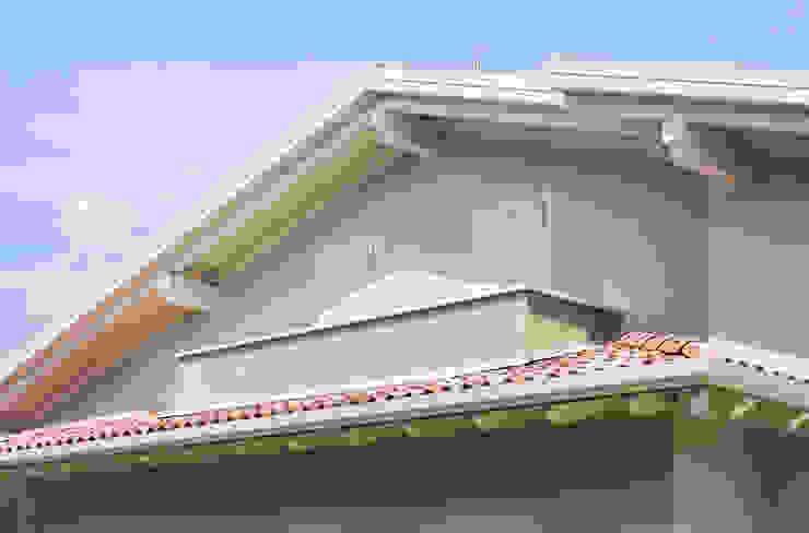 VILLE COLOMBERA Balcone, Veranda & Terrazza in stile classico di 2P COSTRUZIONI srl Classico