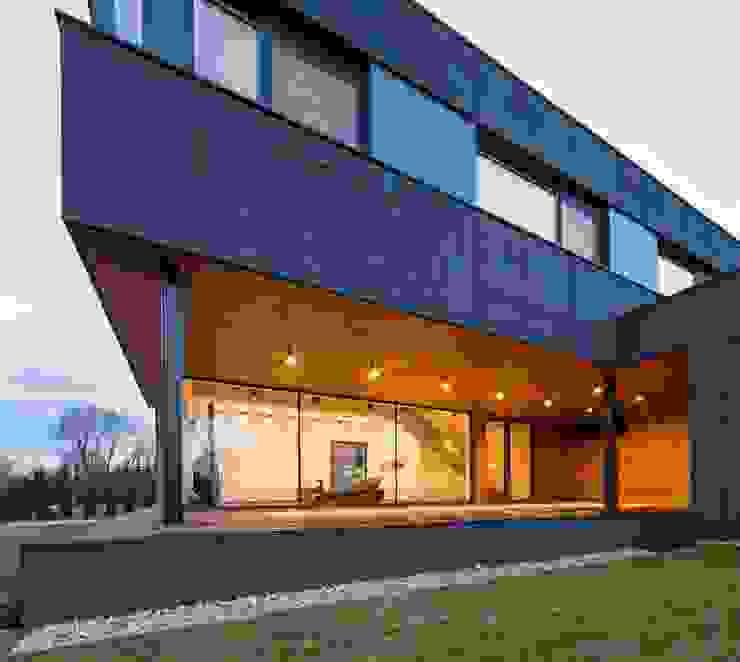 RYB house: styl , w kategorii Domy zaprojektowany przez BECZAK / BECZAK / ARCHITEKCI,Nowoczesny