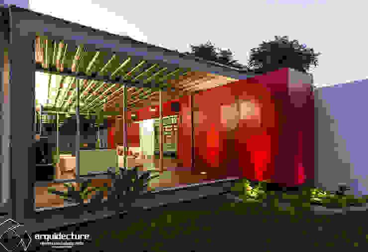 CANCELES CERRADOS – CAJA ABIERTA Grupo Arquidecture Casas de estilo industrial Metal Rojo