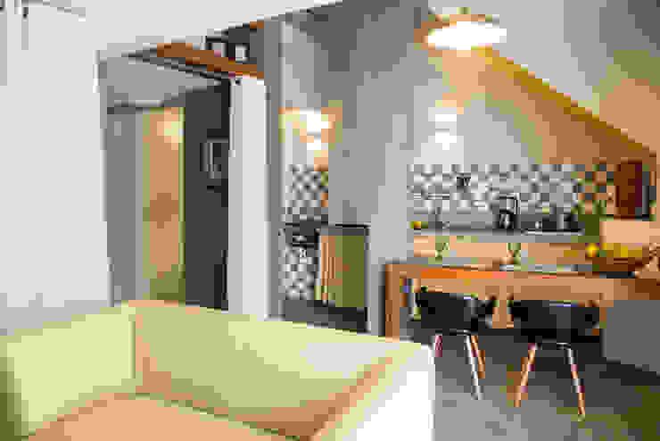 LOFT VOVÔ Salas de estar modernas por MEIUS ARQUITETURA Moderno