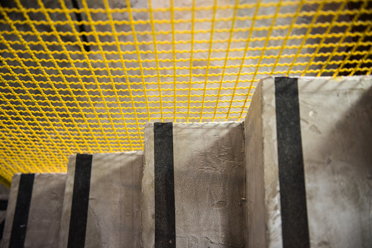 LOFT VOVÔ Modern corridor, hallway & stairs by MEIUS ARQUITETURA Modern