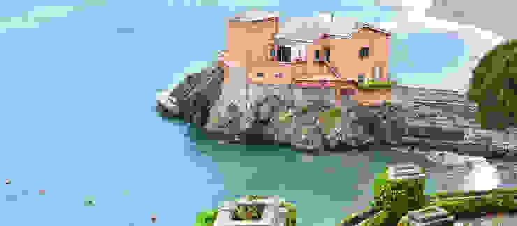 Casas de estilo  por Studio Codebò Vergnano,