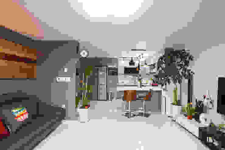 Salones de estilo moderno de 한글주택(주) Moderno