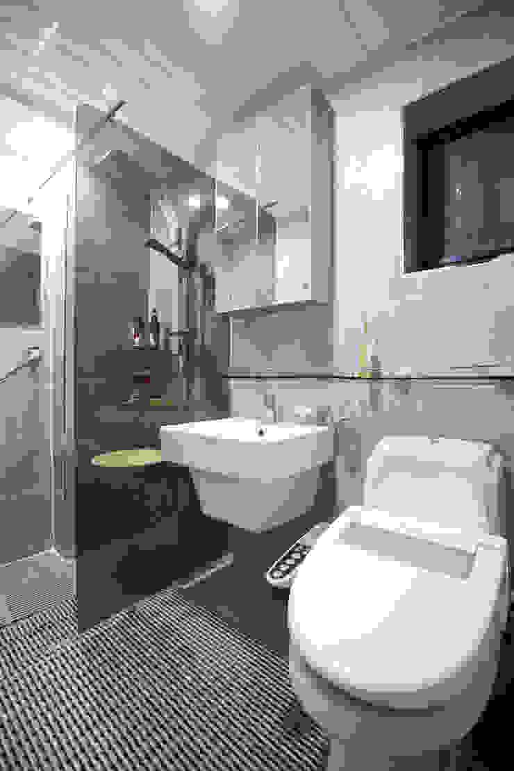 Baños de estilo moderno de 한글주택(주) Moderno