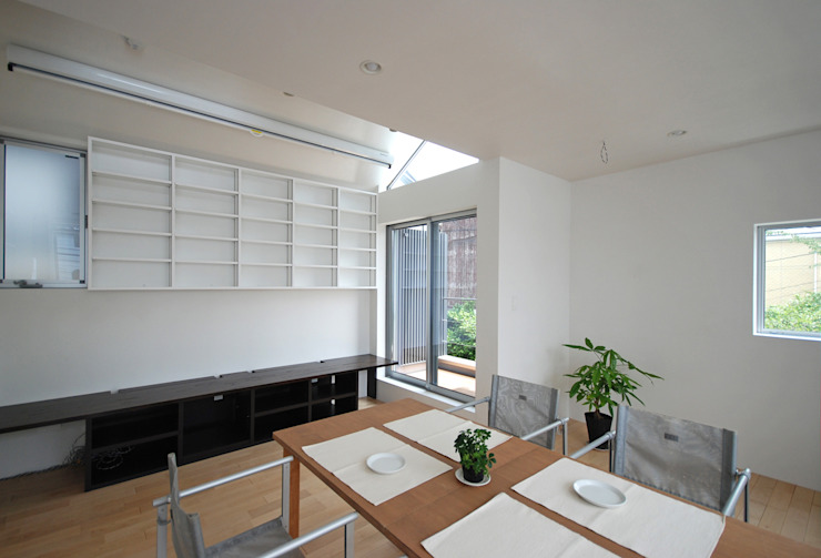 에클레틱 거실 by SUR都市建築事務所 에클레틱 (Eclectic)