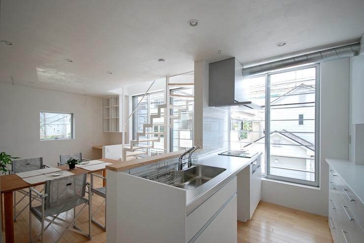 Eclectic style kitchen by SUR都市建築事務所 Eclectic