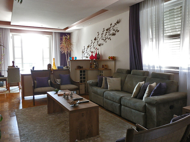 Living room by MBDesign Arquitetura & Interiores