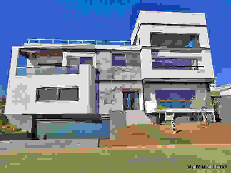 Fachada Principal Casas modernas por homify Moderno