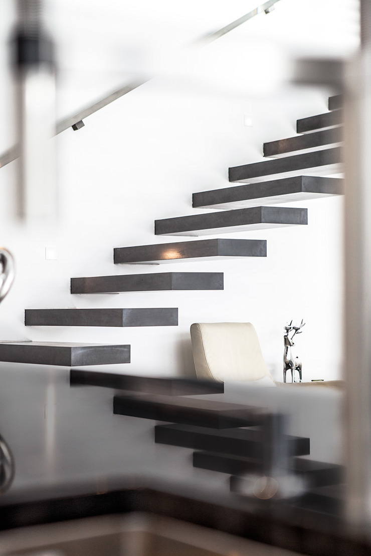 Modern corridor, hallway & stairs by Herzog-Architektur Modern