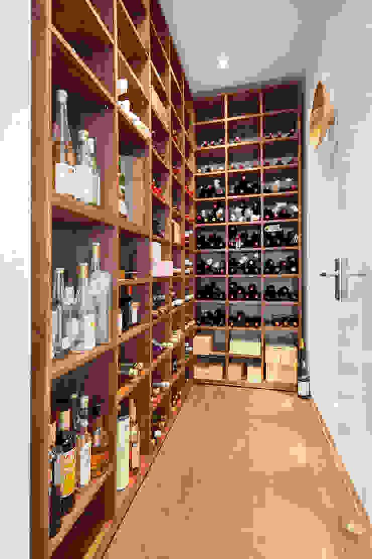 Modern wine cellar by Herzog-Architektur Modern