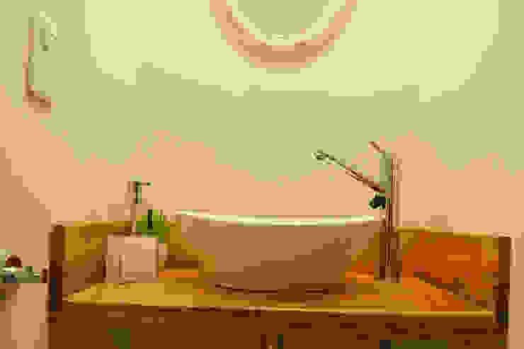 Modern bathroom by estudio mam3 arquitectos Modern