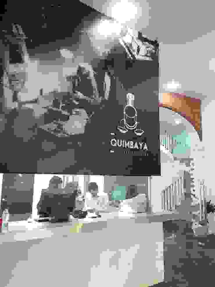 JOYERIA QUIMBAYA Paredes y pisos de estilo moderno de Liferoom Moderno