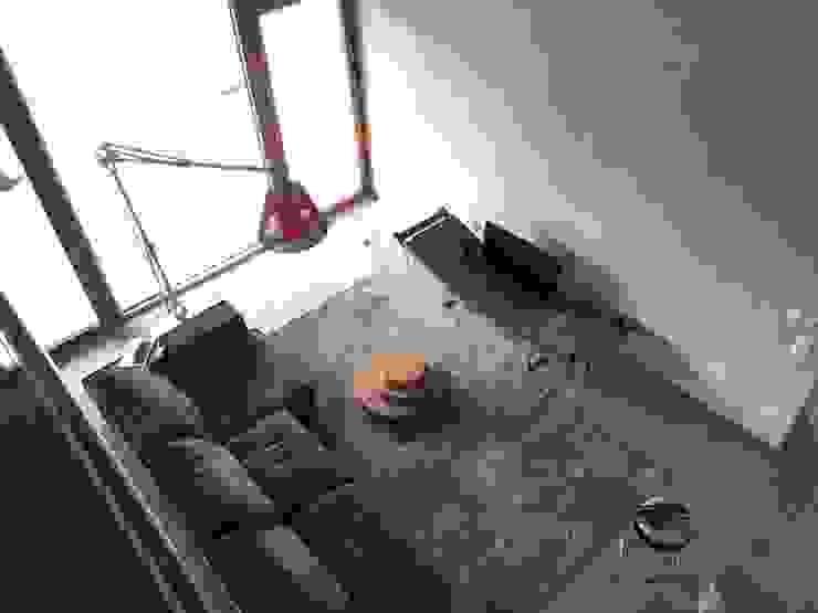 Casa privata a Cavriana Livings modernos: Ideas, imágenes y decoración de Devincenti Multiliving Moderno
